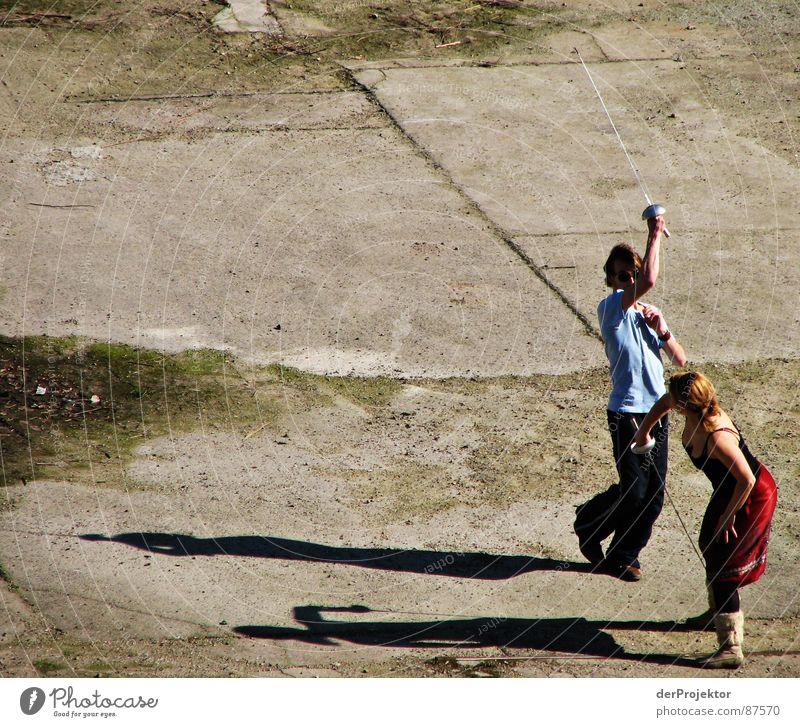 Asphalt-Duell 4 Frau Kraft kämpfen Fechten Degen