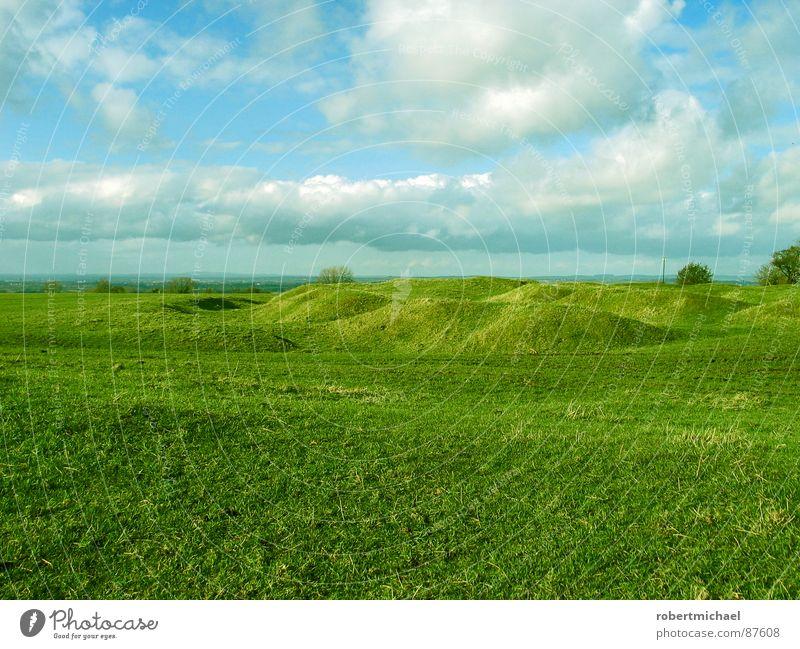 nächster halt: hobbitland Himmel Natur Pflanze grün schön Landschaft ruhig Wolken Berge u. Gebirge gelb Frühling Wiese Gras Garten Horizont Park