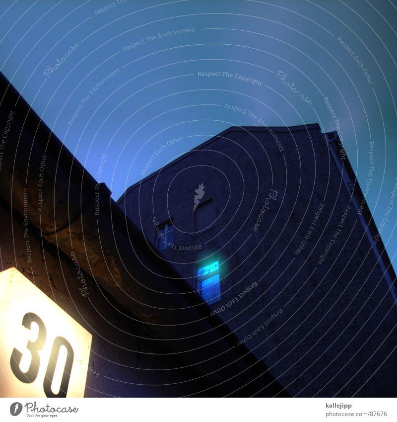 blaulicht Fenster Architektur Schilder & Markierungen Geburtstag 3 leer Häusliches Leben Ziffern & Zahlen Fernseher fallen Fernsehen Typographie Vorhang 30