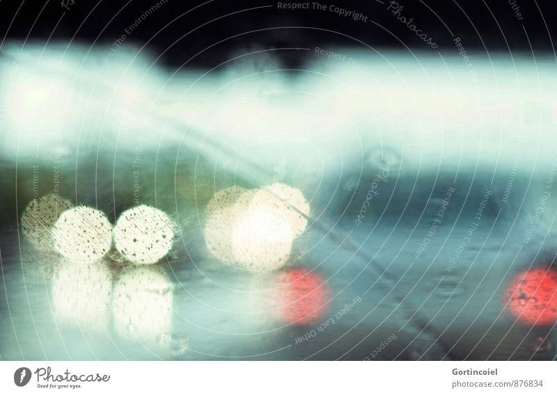 Verkehr Herbst Regen Verkehrsmittel Straßenverkehr Autofahren Autobahn PKW nass Windschutzscheibe Autoscheinwerfer Rücklicht Gewitter Gegenverkehr Farbfoto