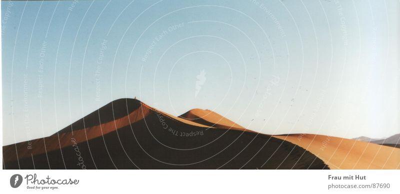 Himmel und Erde Himmel Farbe Sand Stimmung Erde Horizont Erde mehrere Aussicht Bodenbelag Afrika Klima Wüste Stranddüne beige Farbton