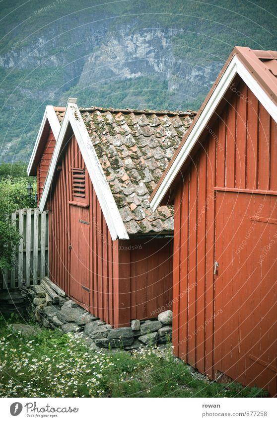 rot Haus Architektur Gebäude Bauwerk Hütte Holzbrett Tradition Norwegen Skandinavien Landleben Holzhaus