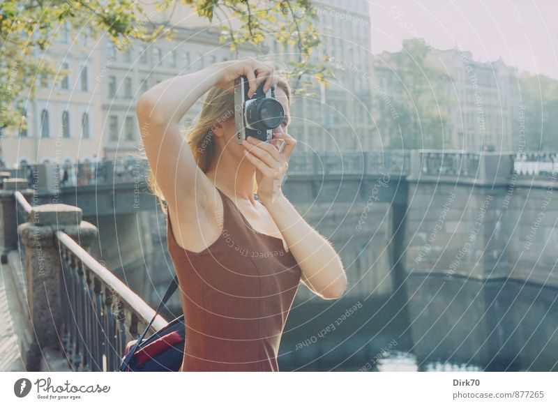 Schöne Seiten der Photographie Freizeit & Hobby Fotografie Städtereise Fotokamera Mensch feminin Junge Frau Jugendliche Erwachsene Leben 1 18-30 Jahre
