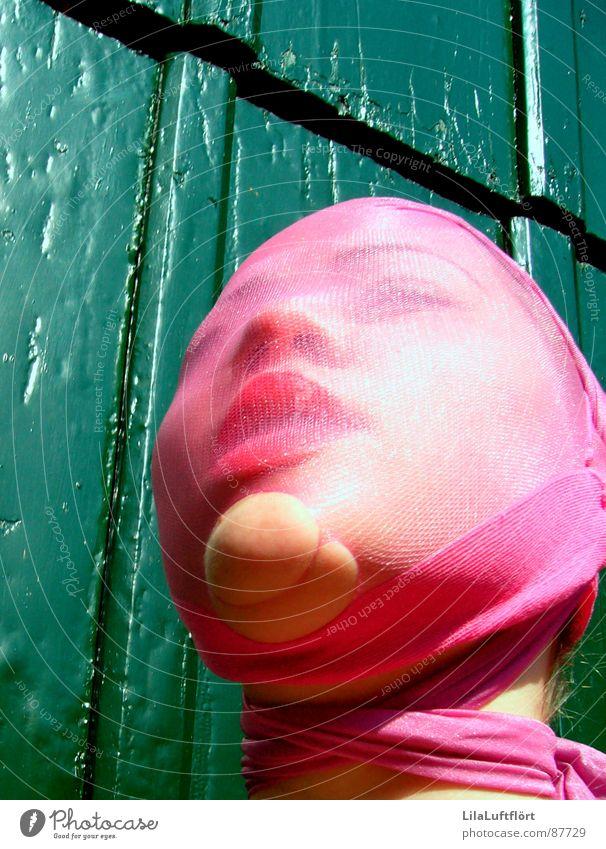Het Poppetje Frau grün rot Holz rosa Lippen Puppe eng Strümpfe Strumpfhose gefangen Selbstportrait Schüchternheit Schwäche unsicher Hemmung