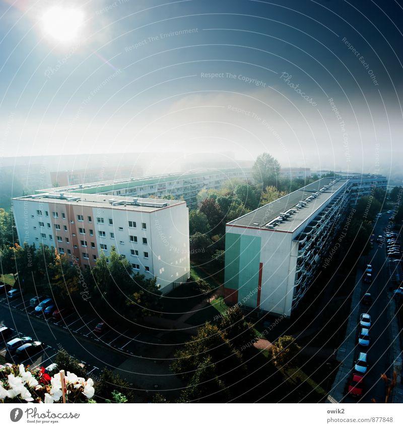 Legoland Wolkenloser Himmel Horizont Klima Wetter Schönes Wetter Baum Bautzen Deutschland Kleinstadt Stadtrand bevölkert Haus Gebäude Plattenbau Mauer Wand