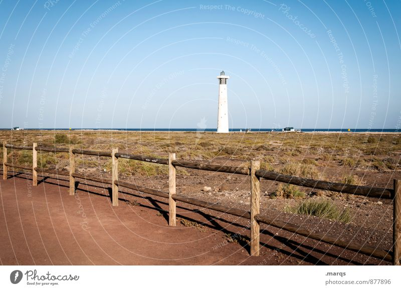 Leuchte Ferien & Urlaub & Reisen Tourismus Ausflug Freiheit Natur Landschaft Wolkenloser Himmel Horizont Schönes Wetter Wiese Küste Zaun Leuchtturm schön Wärme