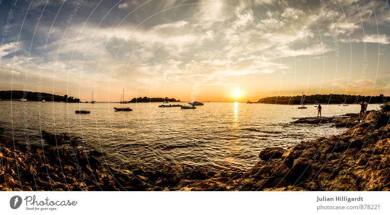 Sonnenuntergang auf kroatisch Himmel Natur Ferien & Urlaub & Reisen Sommer Meer Erholung Landschaft ruhig Strand Ferne Umwelt gelb Wärme Gefühle Küste
