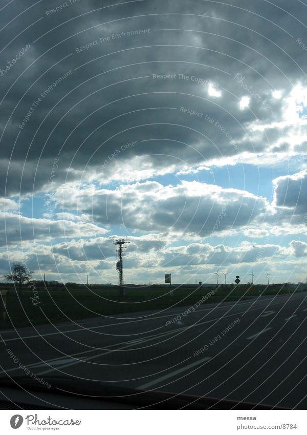 Wolken Himmel dunkel PKW Feld Landstraße Beifahrer