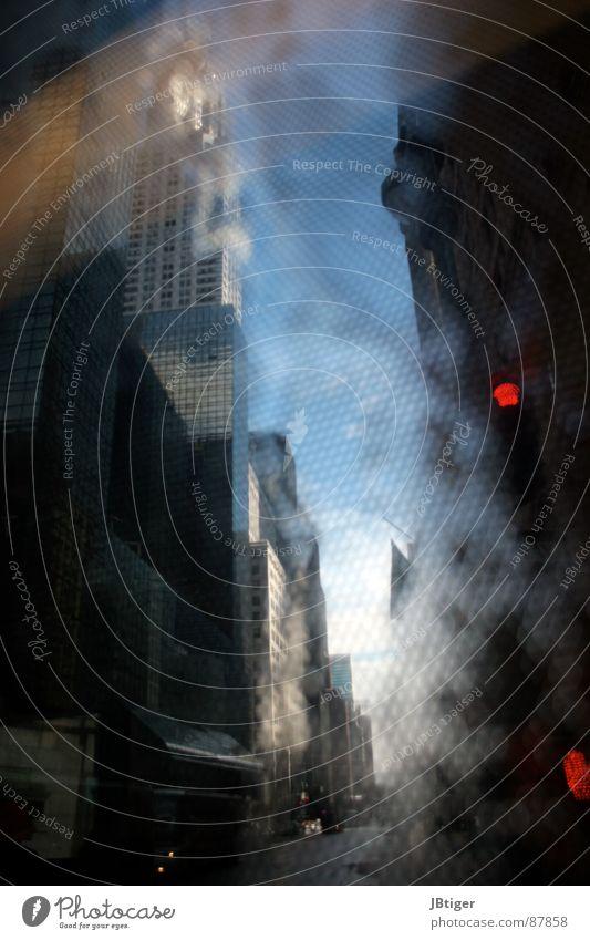 Manhattan erhaschen Gitter Silhouette schemenhaft Empire State Building Aussicht New York City Winter Stadt Verkehr Hochhaus nass Fenster auflösend Unschärfe