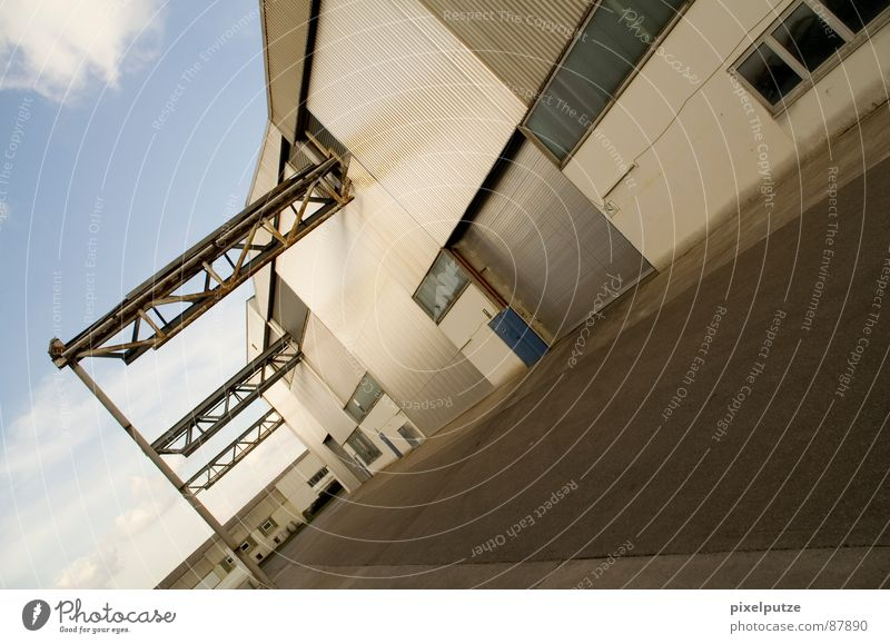lagerstraße || Himmel Stil Wärme Linie Kraft verrückt Perspektive Industrie modern Güterverkehr & Logistik Physik Tor Dynamik Eingang Unternehmen