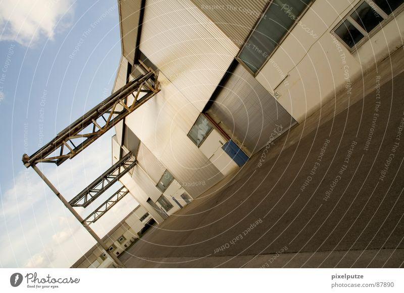 lagerstraße || Himmel Stil Wärme Linie Kraft verrückt Perspektive Industrie modern Güterverkehr & Logistik Physik Tor Dynamik Eingang Unternehmen Sportveranstaltung