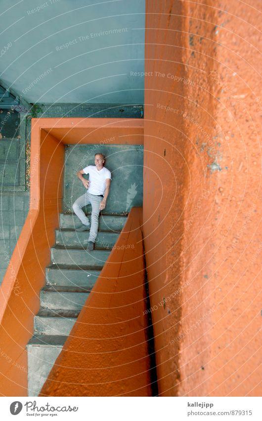 m. c. escher Mensch Mann Stadt Haus Erwachsene maskulin Treppe Körper Erfolg ästhetisch aufwärts abwärts Illusion 30-45 Jahre