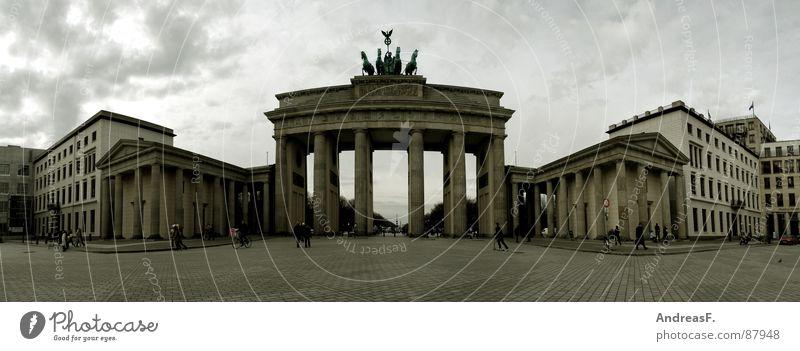 Pariser Platz Berlin Mauer Deutschland groß Frieden Mitte Tor Verkehrswege Panorama (Bildformat) Hauptstadt Wiedervereinigung Brandenburg Regierung