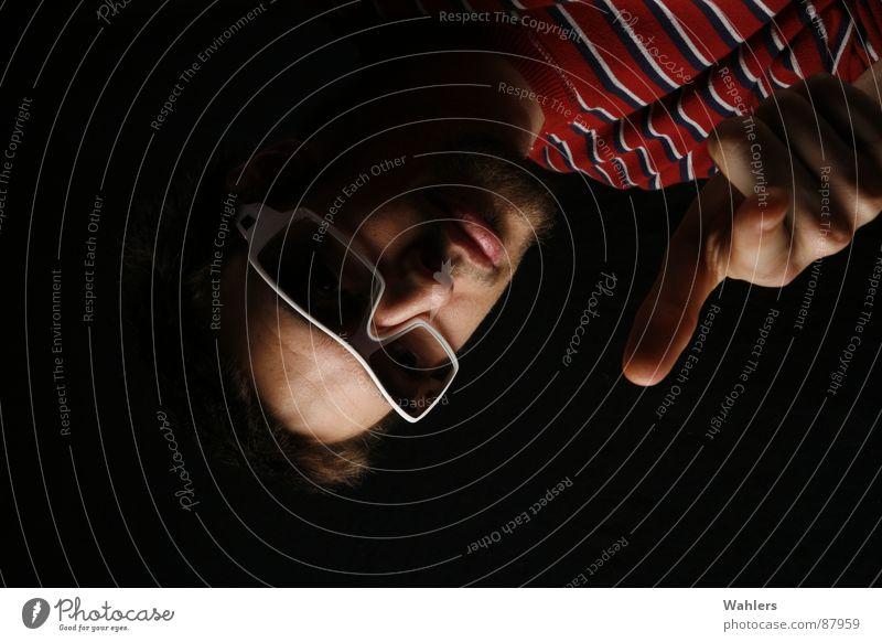 Nach getaner Arbeit II Dornbirn Porträt Stil Sonnenbrille Brille Finger Hand schwarz Bundesland Vorarlberg Streifen weiß Jugendliche Andi Haut Schatten
