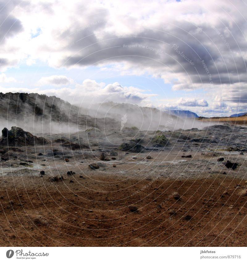 ISLAND / Námafjall Klettern Bergsteigen Umwelt Natur Landschaft Pflanze Himmel Wolken Horizont Eis Frost Wärme Hügel Berge u. Gebirge Vulkan Schlucht Stein Sand