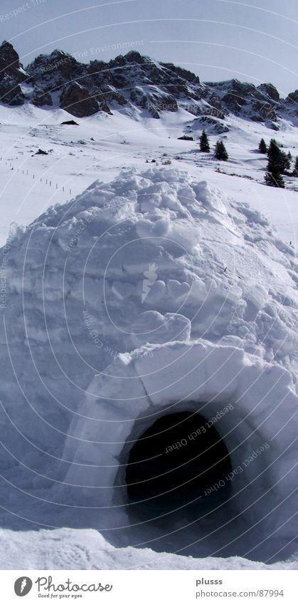 Geliebtes Zuhause Glück Schnee Berge u. Gebirge Kultur Klima Wetter Wärme Tür kalt Schutz Geborgenheit Hoffnung Iglu Eingang Öffnung Zufluchtsort Kammer