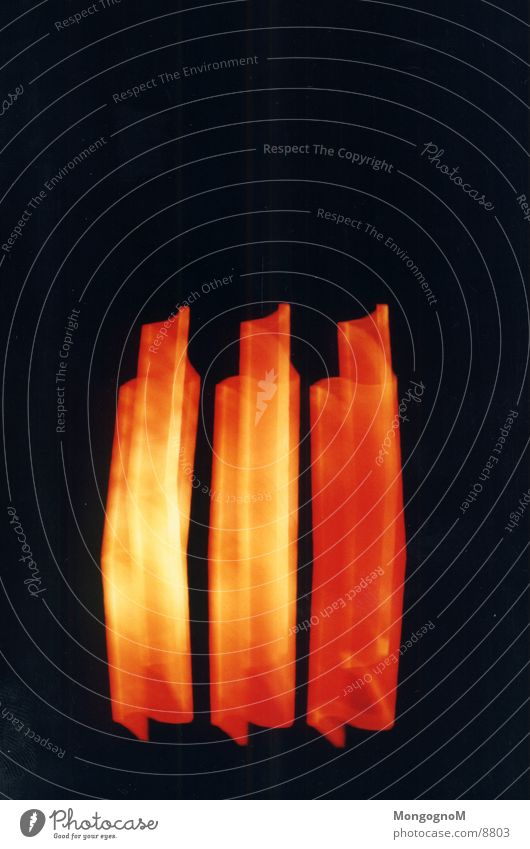 3 rote Streifen Licht gelb Langzeitbelichtung orange