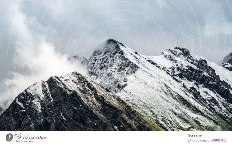 Schneebedeckt... Himmel Natur Ferien & Urlaub & Reisen Landschaft ruhig Wolken Ferne Berge u. Gebirge Felsen Wetter Kraft Tourismus groß wandern hoch