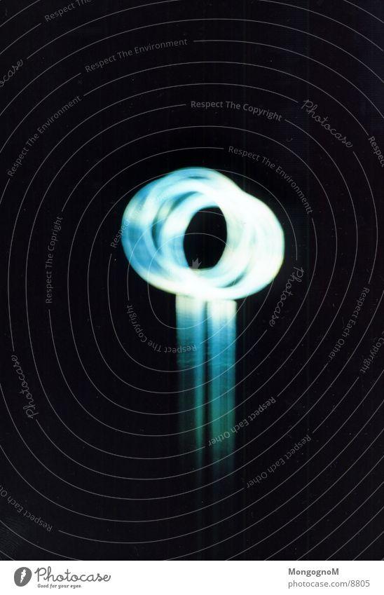 Blau Ringe weiß Licht Langzeitbelichtung Kreis blau