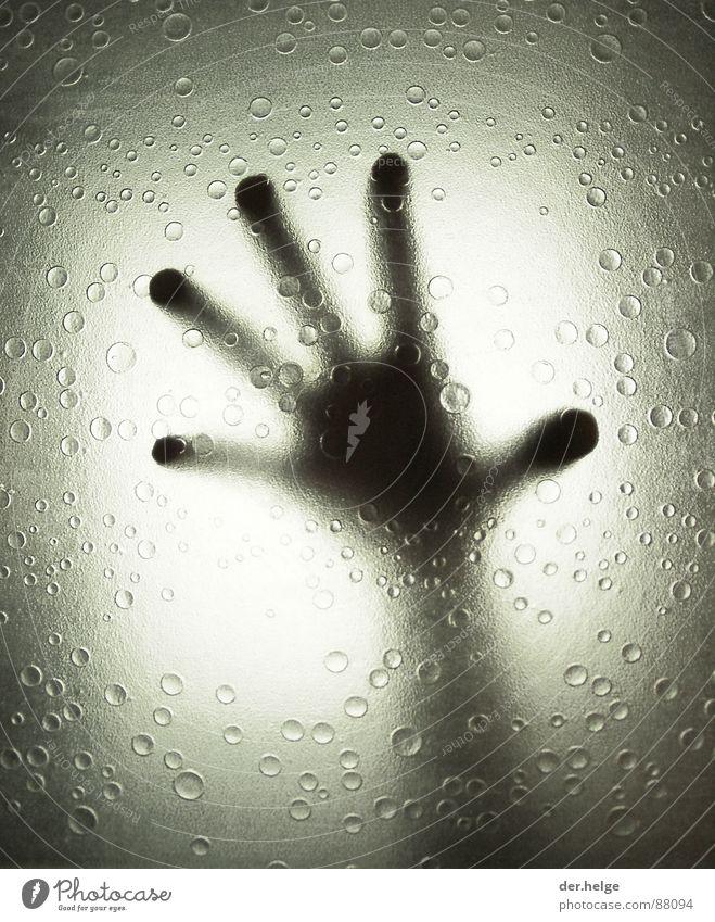 The Truth Is In There außerirdisch Bad Wassertropfen Hand Außerirdischer Dusche (Installation) Silhouette Schwarzweißfoto ET Arme Unter der Dusche (Aktivität)