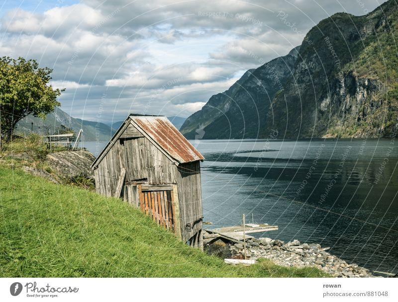 hütte Natur alt Meer Erholung Landschaft ruhig Haus Berge u. Gebirge Küste Felsen Idylle wandern Hügel Bucht Hütte Norwegen
