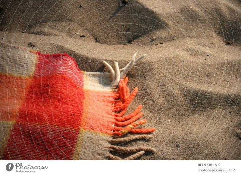 somma Ferien & Urlaub & Reisen Sommer Meer Strand Küste Sand orange Erde liegen kariert Decke Wolle Wochenende Elbstrand