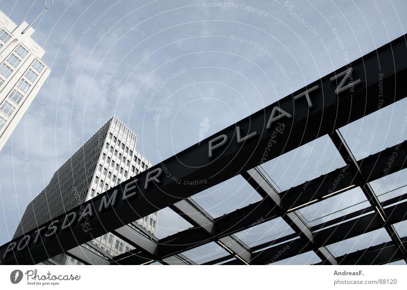 Potsdamer Platz Sony Center Berlin Hochhaus modern Hauptstadt Himmel
