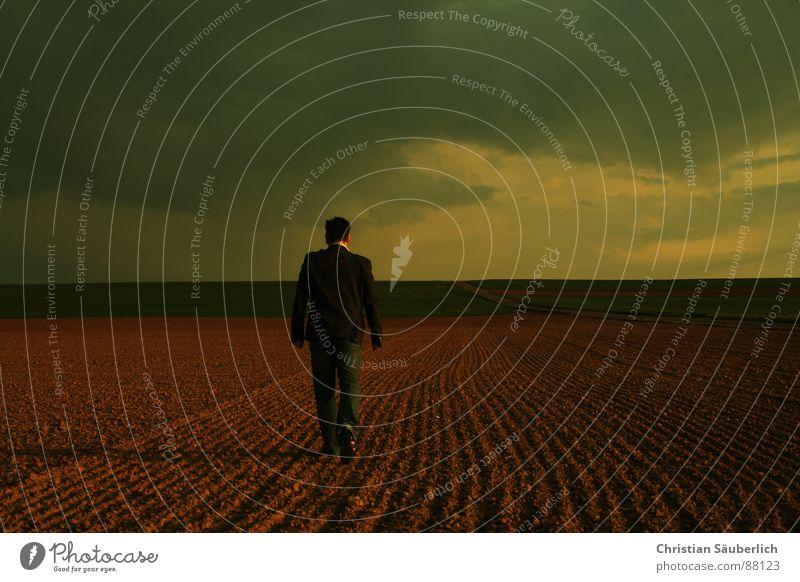 LEAVING Mann Himmel Einsamkeit Wiese Feld gehen Horizont