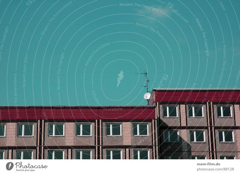 empfangsbereit Satellit Fernsehen Luft Funktechnik Wellen Strahlung Rundfunksendung Radio Antenne Rundfunksender Fernseher glänzend Funkstörung Einsamkeit