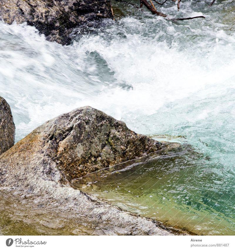 noch mehr Wildwasser Natur Urelemente Wasser Felsen Wellen Bach Fluss Wildbach frisch kalt wild grau grün weiß Kraft türkis blau-grün gewaltig tosend sprudelnd