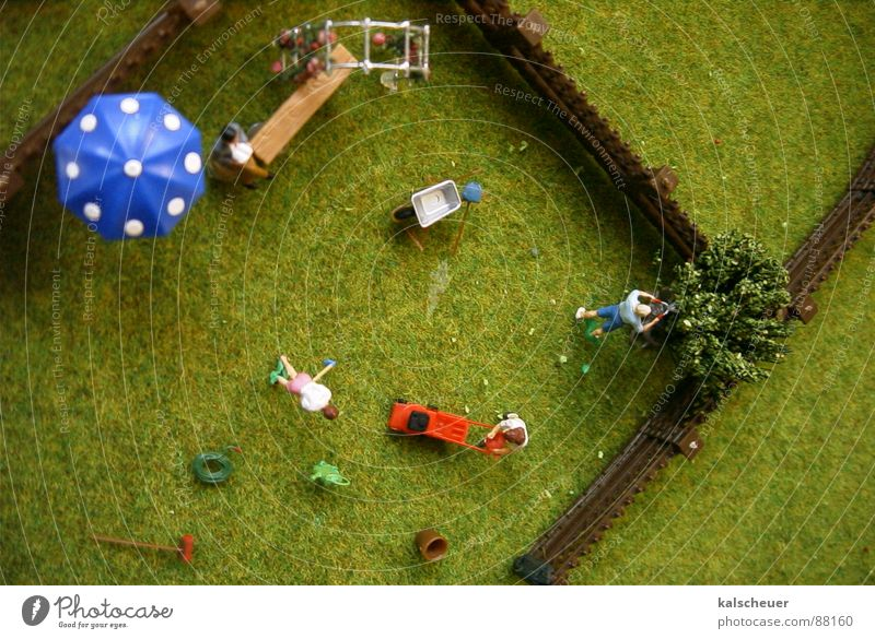 Schrebergarten2 Gras Gartenzaun Freizeit & Hobby Sonnenschirm Rasenmäher synthetisch Puppe Muster gestellt artifiziell