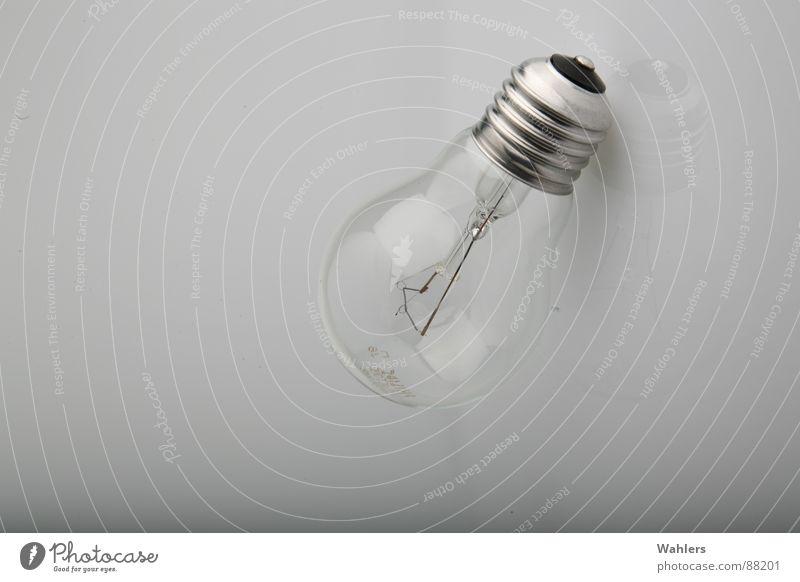 Umweltzerstörer weiß Lampe Beleuchtung Metall Glas Elektrizität Technik & Technologie Kontakt Statue drehen silber Draht Glühbirne Leistung glühen