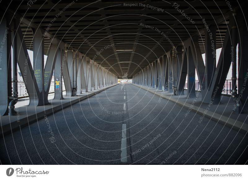 This is the end... Stadt Hauptstadt Hafenstadt Bahnhof Brücke Tunnel Bauwerk Verkehr Verkehrswege Autofahren Busfahren Fahrradfahren Straße ästhetisch