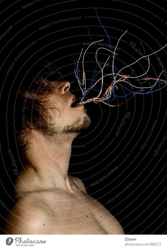 cableguy IV - END Mensch Mann rot schwarz Kopf Haare & Frisuren Stil Mund Angst hoch Wachstum Bart Maschine Draht verloren gefangen