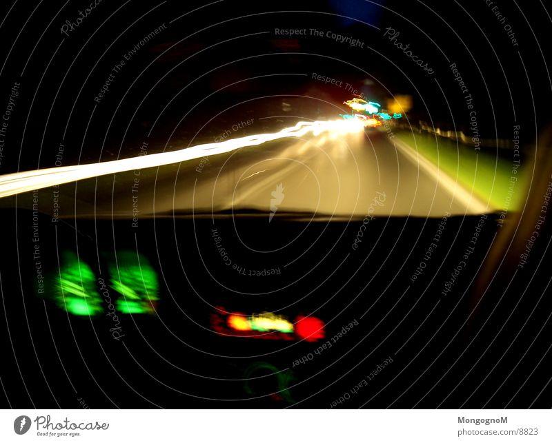 Landstaße Nacht Fahrbahn Landstraße Licht Langzeitbelichtung Geschwindigkeit Verkehr PKW Straße