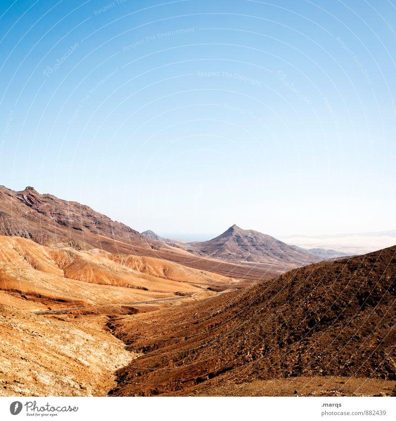 Einöde Ferien & Urlaub & Reisen Tourismus Umwelt Natur Landschaft Wolkenloser Himmel Sommer Klima Schönes Wetter Hügel Felsen Berge u. Gebirge heiß trocken