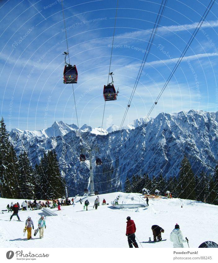 Fellhorn Funpark Tourismus Winter Schnee Berge u. Gebirge Wintersport Skipiste Landschaft Himmel Wolken Schneebedeckte Gipfel Skilift blau Oberstdorf Sesselbahn