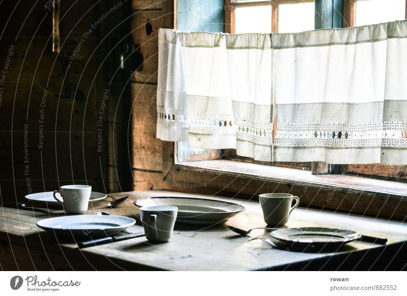 esstisch alt Fenster Holz Essen Häusliches Leben Ernährung Tisch Bauernhof Bioprodukte Geschirr Frühstück Tasse Tradition Schalen & Schüsseln Teller Besteck