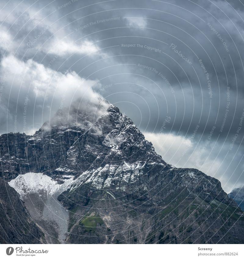 Der Berg raucht... Ferien & Urlaub & Reisen Tourismus Ausflug Abenteuer Berge u. Gebirge wandern Natur Landschaft Wolken schlechtes Wetter Felsen Alpen