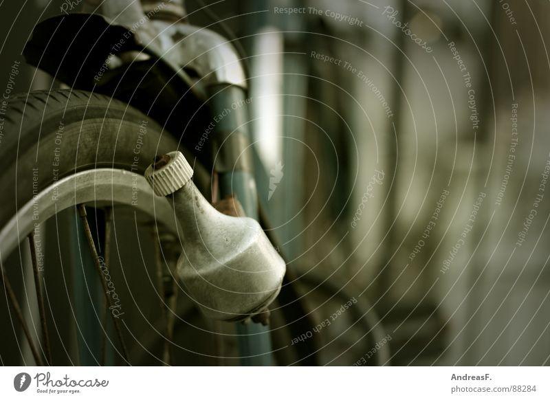 Licht ans Rad! Fahrrad fahren Gummi Fahrradreifen Elektrizität ökologisch Erneuerbare Energie alternativ Oldtimer Schutzblech Spielen Freizeit & Hobby