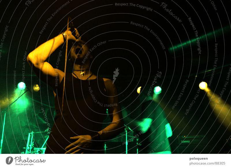 demons Konzert laut Licht Mikrofon grün Sänger Show singen rocken hüpfen dunkel Musik Club Freude Schnur mehrere decoy schreien Tanzen Rauch