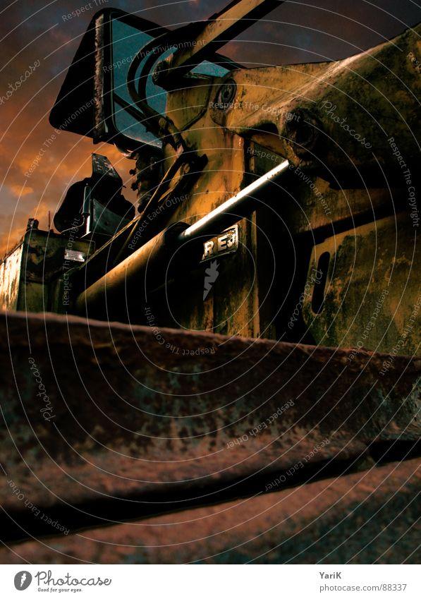 raupe rot braun Metall dreckig Industrie Baustelle Rost Kette bauen Eisen HDR Maschine Bagger Kettenfahrzeug Baumaschine