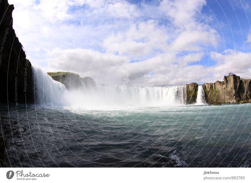 ISLAND / Goðafoss Umwelt Natur Landschaft Pflanze Urelemente Wasser Wolken Wellen Flussufer Insel Island Wasserfall Godafoss Erfolg kalt maritim Fernweh