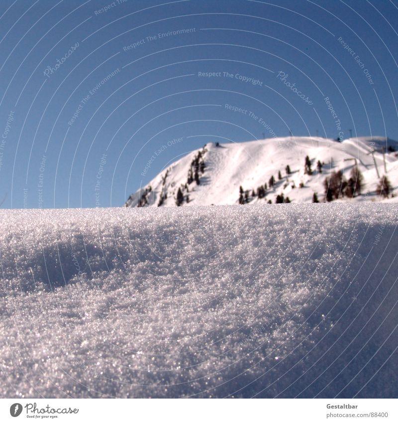weißer Glitzer blau rot Winter schwarz kalt Berge u. Gebirge Schnee glänzend Alpen Schweiz Skier Schneeflocke fein Fahrstuhl transpirieren Skipiste
