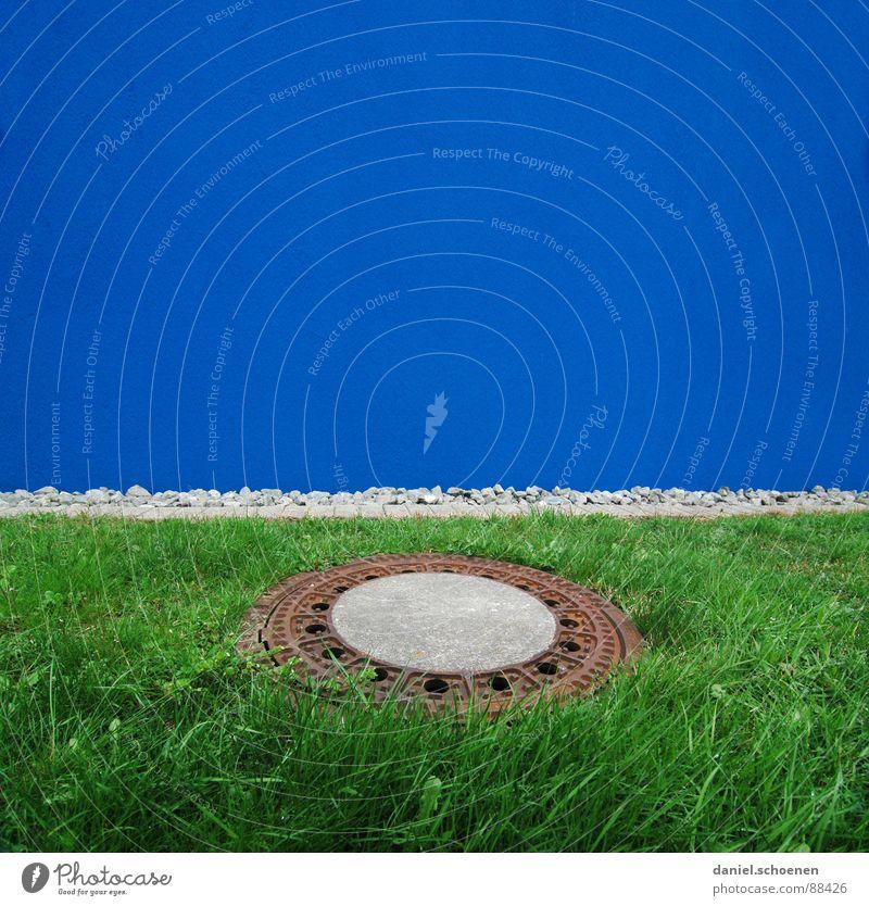 blaugrünkreis grün blau Wand Gras Hintergrundbild Fassade Gully Abwasserkanal