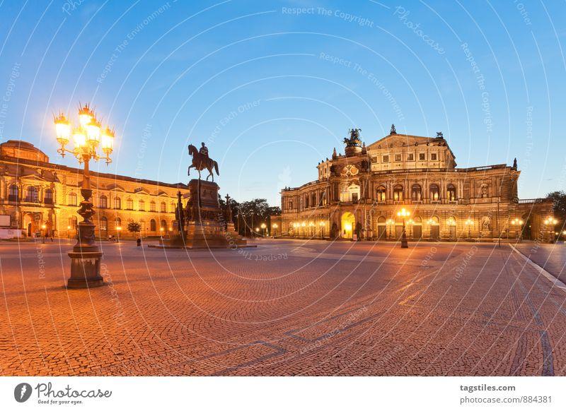 GUTE NACHT, DRESDEN Semperoper Theaterplatz Oper Opernhaus Dresden Architektur Nacht Dämmerung Wahrzeichen Sachsen Deutschland Hauptstadt Langzeitbelichtung