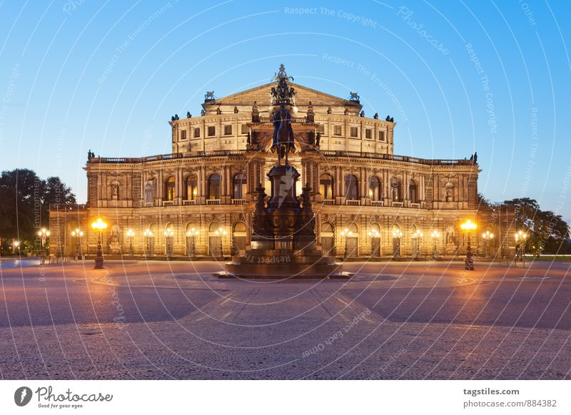 BLAUE STUNDE, DRESDEN Ferien & Urlaub & Reisen Stadt Reisefotografie Architektur Deutschland Kultur Postkarte Wahrzeichen Hauptstadt Dresden Sachsen Opernhaus