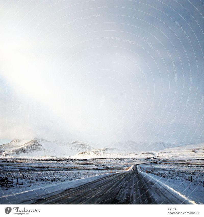 Sonnenstudio Sun Island: Kompetenz, wenn´s um´s Bräunen geht Winter Berge u. Gebirge Straße Schnee Zufriedenheit Eis Schönes Wetter Island Unbewohnt gerade Bergsteigen Ödland Fee Landstraße Elfe geradeaus