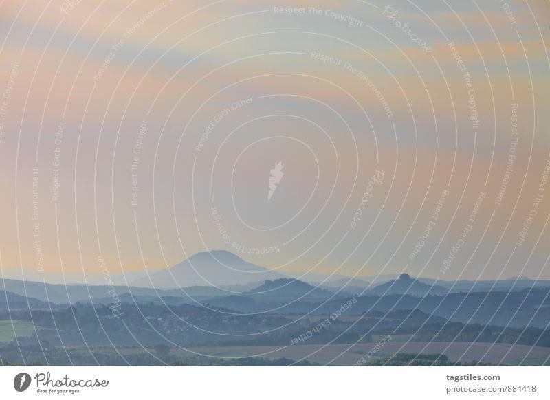 ELBSANDSTEINGEBIRGE Natur Ferien & Urlaub & Reisen Erholung Landschaft Reisefotografie Berge u. Gebirge Deutschland Horizont Idylle Hügel Postkarte Paradies