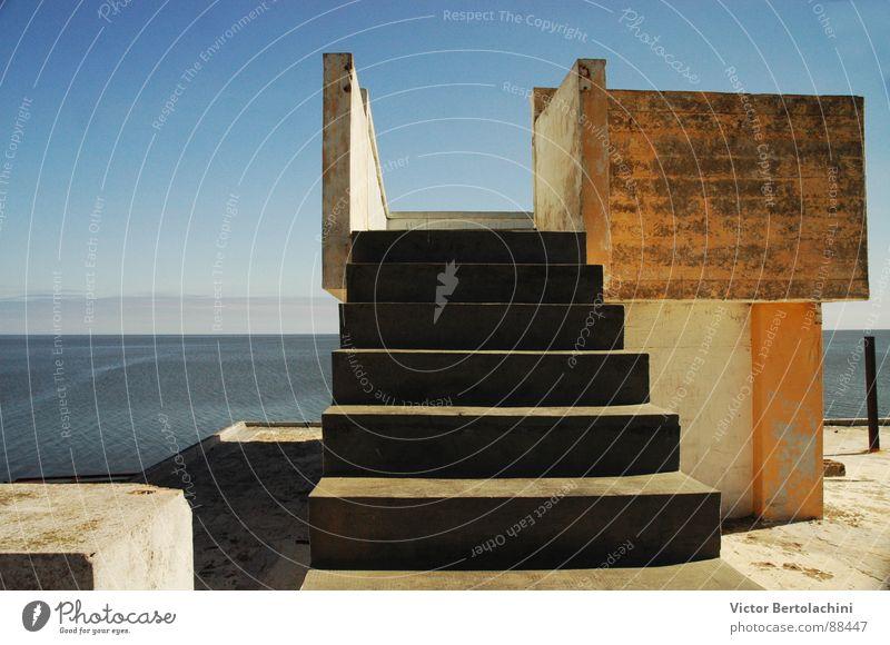 Miramar Meer Architektur Treppe Aussicht verfallen Ruine Decke veranschaulichen